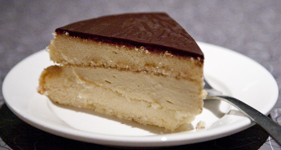 vegan_boston_cream_pie