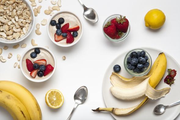 Cashew Banana Yogurt (Vegan) + Choosing Raw Cookbook Review & Giveaway | picklesnhoney.com