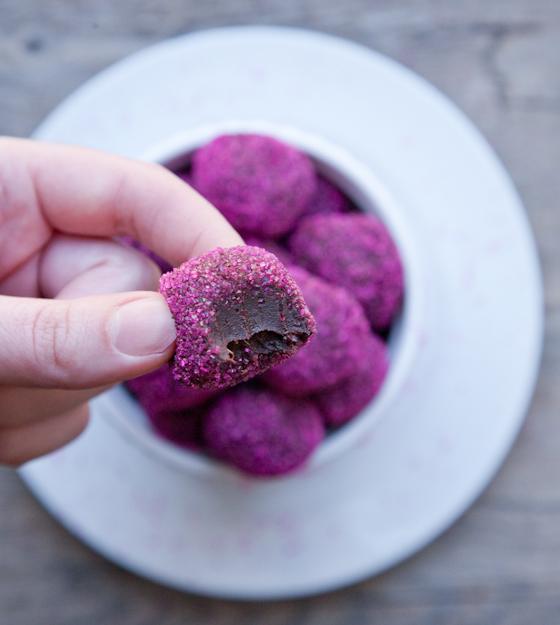 chocolate_ginger_truffles_bite
