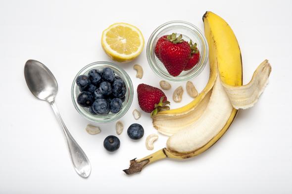 Cashew Banana Yogurt (Vegan) + Choosing Raw Cookbook Review & Giveaway   picklesnhoney.com